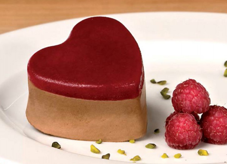 Valrhona-Schokoladenmousse Herz mit Himbeerfruchtmark 85 ml, 20 Stück